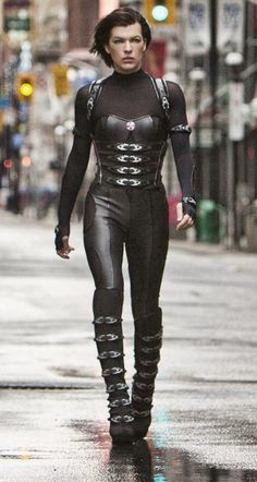 Alice from Resident Evil Retribution outfit