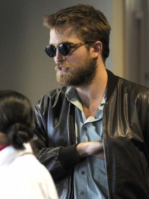 robert-pattinson-beard-
