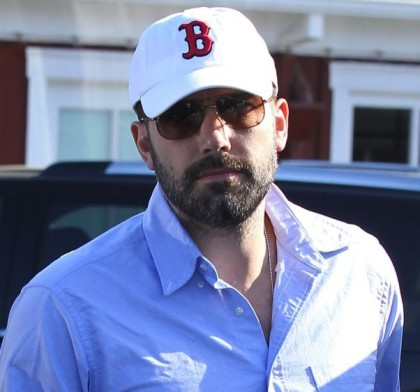 ben-affleck-with-a-red-sox-hat