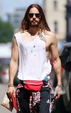 jared leto fanny pack2