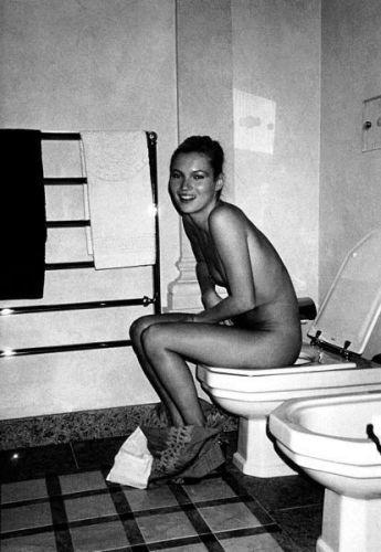 kate-moss-toilet